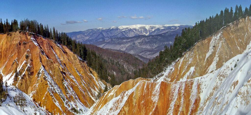 Satul de vacanță Vârtop - Gropa Ruginoasă